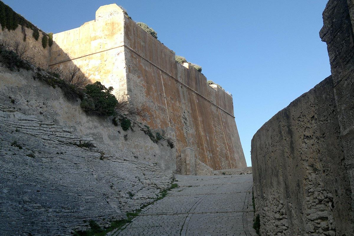 Montée Saint Roch (Bonifacio)